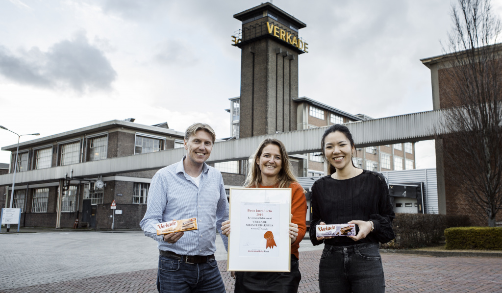National account manager Marnix Troost, marketing manager Valerie Spigt en category manager Jingyi Hu    FOTO: Jet van Gaal