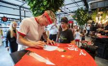 YouTuber Enzo Knol opent pop-up store in Jumbo Foodmarkt